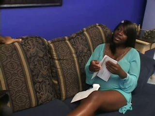 Lovely Pregnant Black Babe Gets Pounded