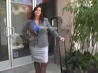 Hot Mature Cougar Syren DeMar Banging
