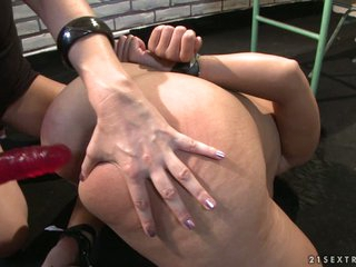 Katy Borman fuck with pink dildo in the ass