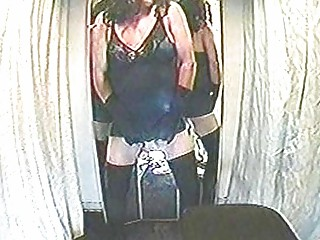 Crossdressers wank in the dressing room