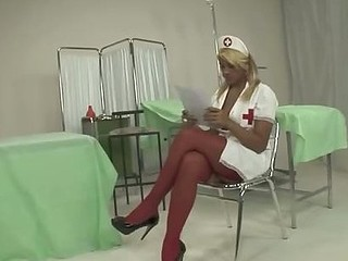 One of the most common dream, the sexy nurse! But with a sexy nurse as Carolina with her stunning body and big dick, the reality could be even better!