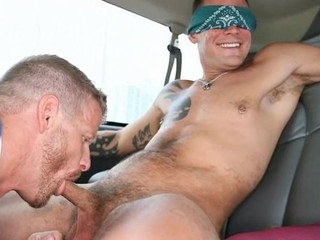 Horny blindfolded stud gets a lusty weenie engulfing session