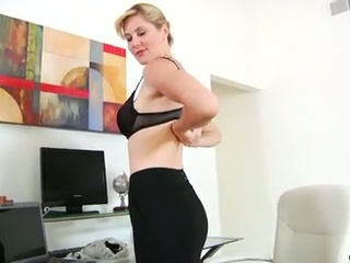 Hot mom takes dual toy action masturbation to new heights